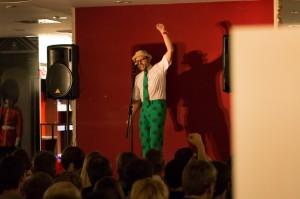 Michl Jakob eröffnet den 13. Thalia K.O. Poetry Slam